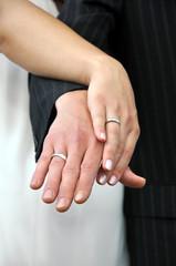 Hochzeit, Hände mit Eheringen