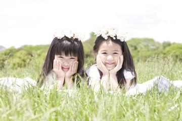 笑う2人の女の子