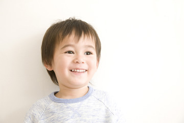 笑っている男の子