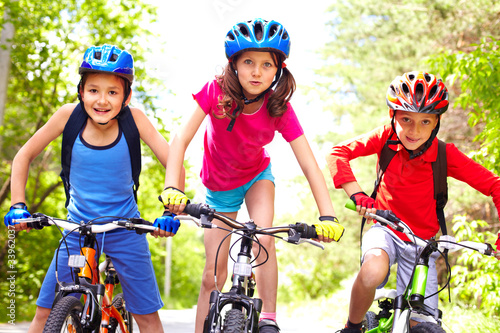 canvas print picture Children on bikes