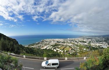Saint-Denis de La Réunion.