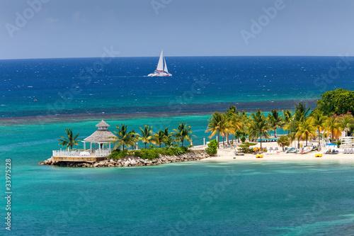 Fotobehang Caraïben Caribbean Inlet to Ocho Rios, Jamaica