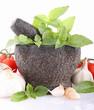 pilon,basilic, ail et tomate