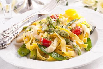Paglia e Fieno mit Gemüse