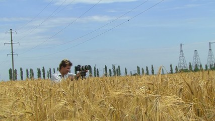 To take a Picture of Wheat