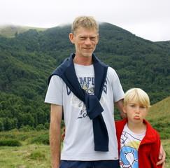portrait père et fils boudeur