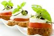 Tartine di pomodoro e mozzarella - Isolated