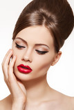 Fototapety Retro beauty style. Model with glamour lips make-up, hair style