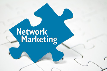 Puzzle mit Network Marketing