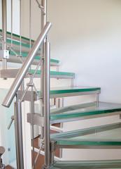 Moderne Glastreppe
