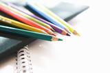 Fototapety 色鉛筆とスケッチブック