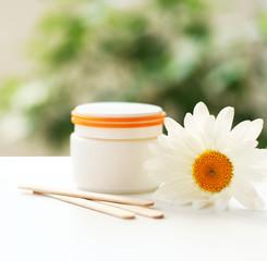 Daisy, cream jar, cosmetics