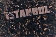 Luftansicht einer Stadt in 3D mit Schriftzug Istanbul