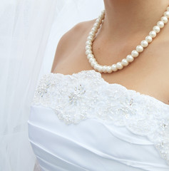 pearls on neck Bride