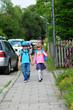 Unterhaltung auf dem Schulweg
