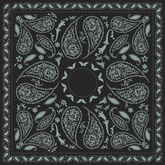 Bi-color Paisley Bandana Design