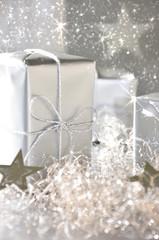 Weihnachtsgeschenk in Silber
