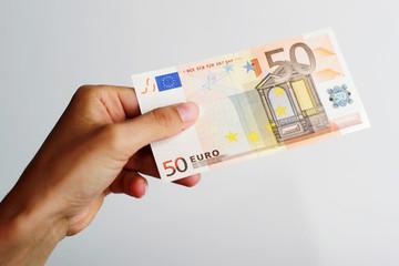 50 Euro Schein mit Hand