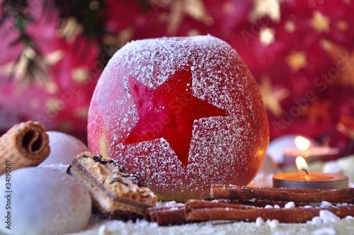 Dekorierter Weihnachtsapfel