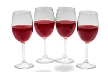Copas de vino rojo en fondo blanco 4