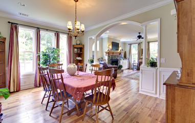 traditional diningroom