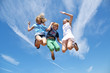 Drei springende Teenies