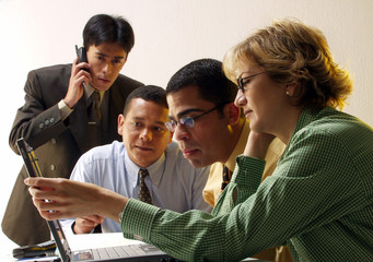 Equipo de ejecutivos trabajando.