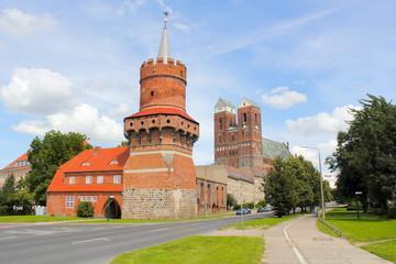 Marienkirche, Heiliggeistkapelle und Mitteltor