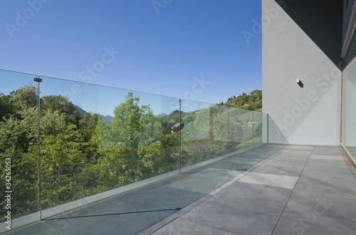 balcone o terrazza di casa moderna - 34265053