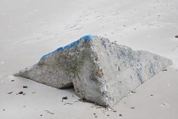 Stein in Form einerr Pyramide