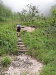 über steile treppen zum gipfel