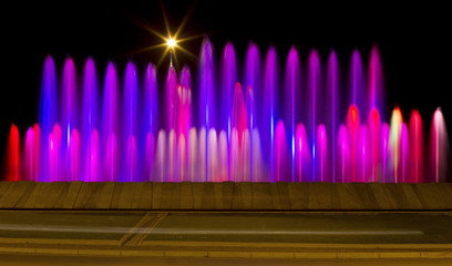 Fontana con giochi di luci