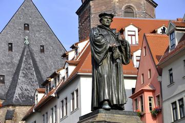 Eisleben Lutherdenkmal auf dem Marktplatz