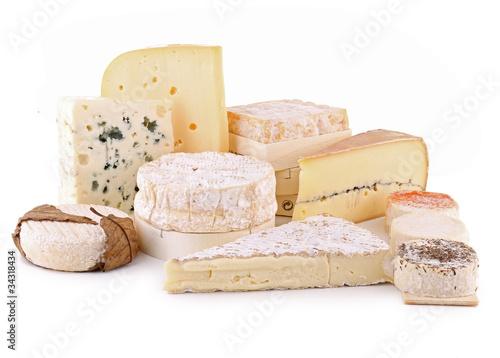 fromage détouré sur fond blanc - 34318434