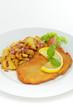 Schweineschnitzel Wiener Art mit Bratkartoffeln