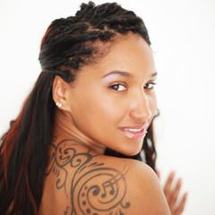 Portrait einer rassigen Frau