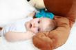 Das Baby mit dem Bär