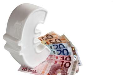 Geld sparen in einer Euro Spardose