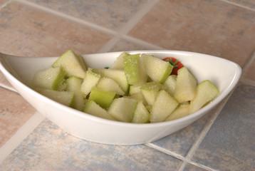 apple with lemon and sugar