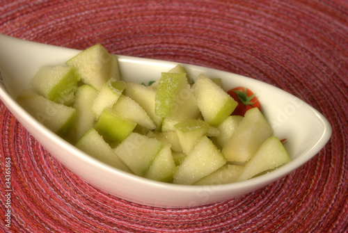 apple with lemon and sugar