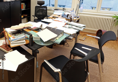 Leinwanddruck Bild Chaotischer Arbeitsplatz