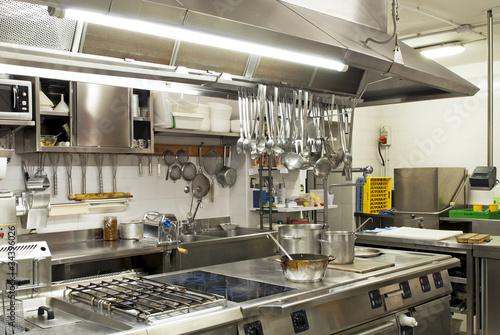 cucina in un ristorante - 34396026
