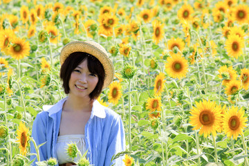 Princess MAIKO Benicio in Sunflower field / Laugh