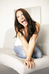 junge Frau mit Freude