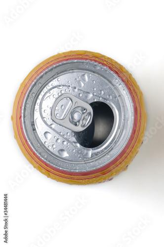 Lata de cerveza  abierta con anillo de cierre Poster