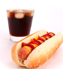 hot dog and drink