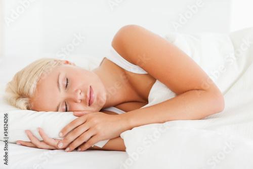 Calm woman sleeping - 34524206