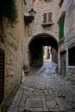 Arch on the stonepaved Garzotto street in Rovinj