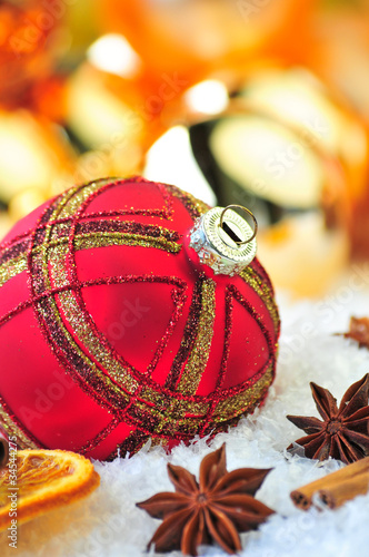 Fotobehang Rote Weihnachtskugel