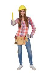 Handwerkerin hält einen gelben Zollstock